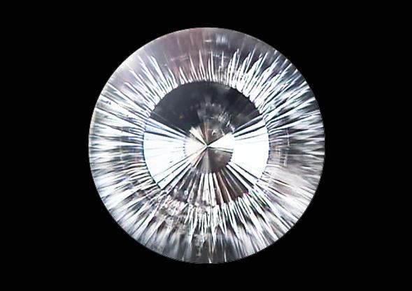メイドインジャパンカットダイヤモンド『Dclusiv(ディクルーシヴ)』の日輪(にちりん)とラウンドブリリアントカットダイヤモンドとの違いと比較