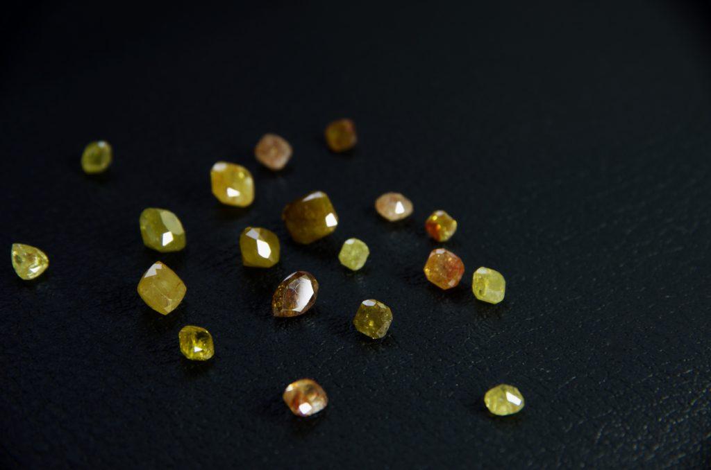 アンカットダイヤモンド・ナチュラルカットダイヤモンド・マルチカラーダイヤモンドの紹介